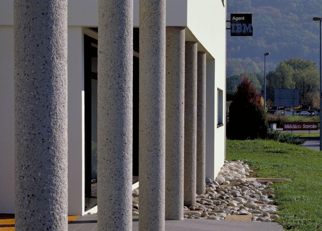 construction d'un bâtiment tertiaire (siège social ADN) à challes les eaux – savoie